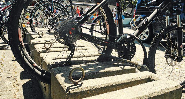 1808spitzfindig-fahrraddstaender
