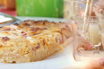 Zwiebelkuchen und Federweißer