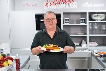Theo kocht Schnitzel