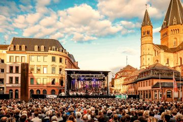 Summer in the City: Symphonic Rock