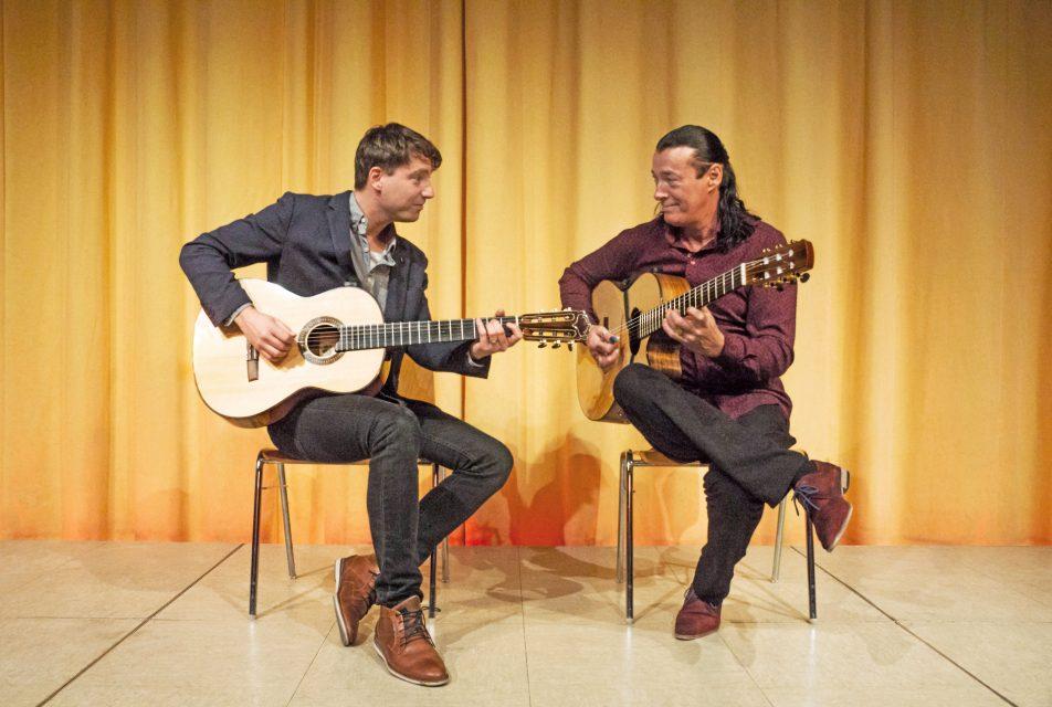 1. Internationale Gitarrennacht Ingelheim: mit Daniel Stelter (links) und Lulo Reinhardt (rechts)