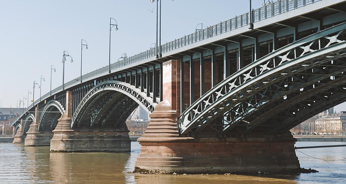 Brücke Wiesbaden Mainz