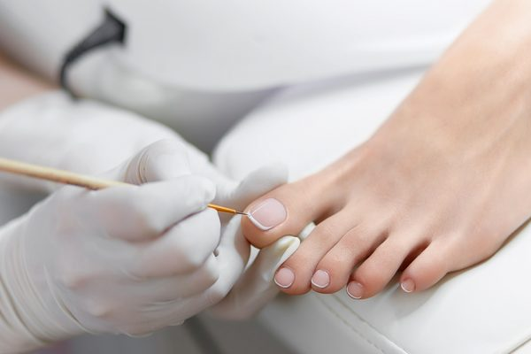 Chain Rai, Medizinische Fußpflege, © Iegor Liashenko – stock.adobe.com.jpg