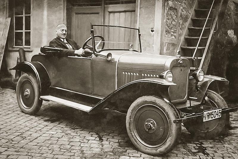 Der erste Firmenwagen mit Johann Moritz