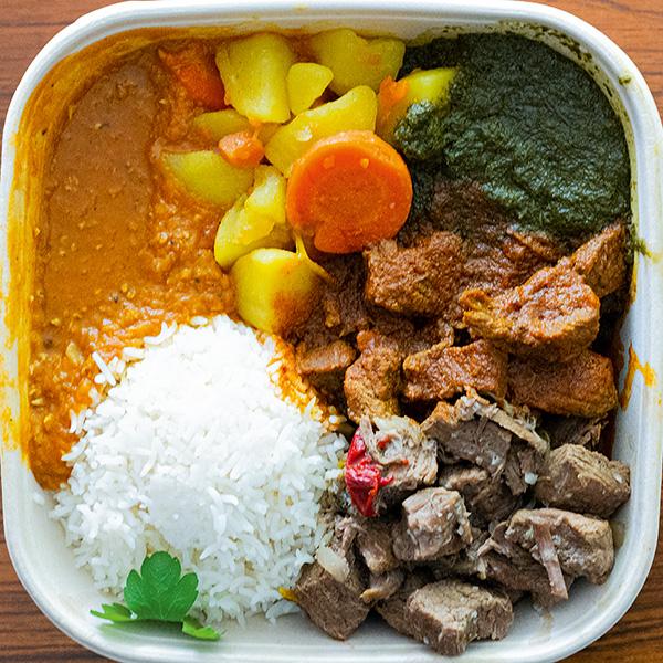 Gemischter Teller mit Reis